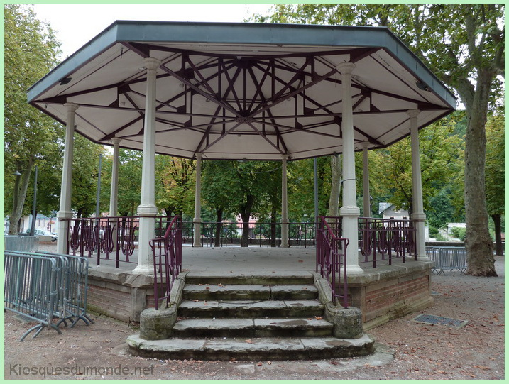 Villefranche-de-Rouergue kiosque 10