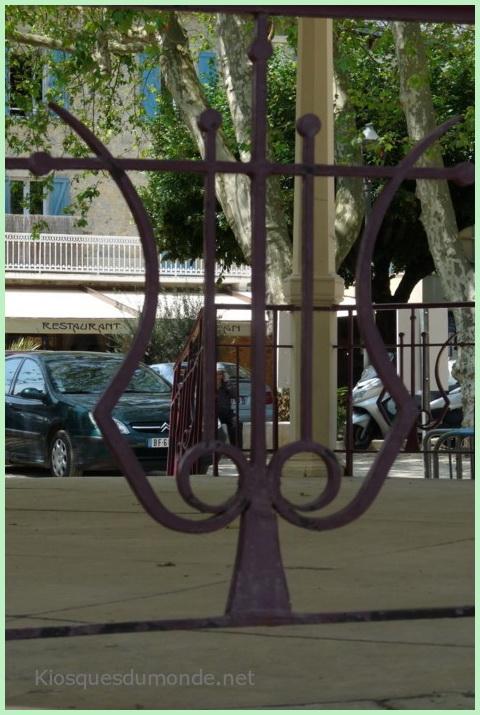 Villefranche-de-Rouergue kiosque 05