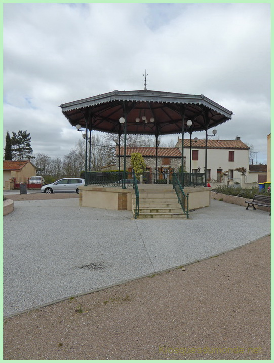 Cagnac-les-Mines kiosque 03