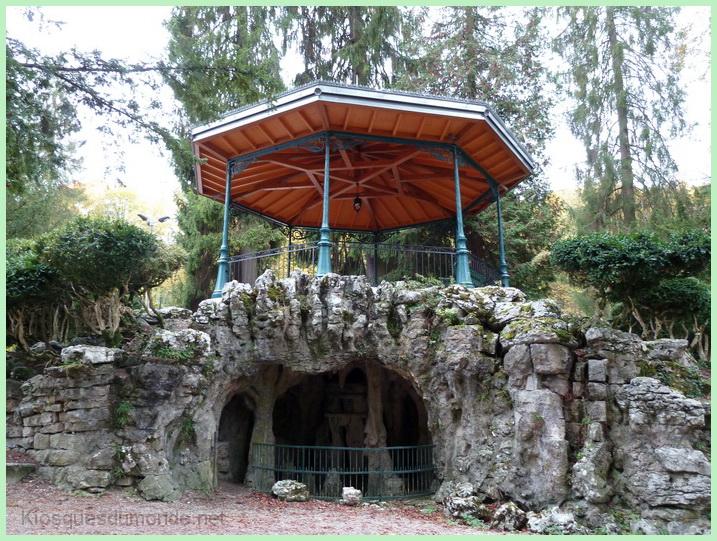 Salins-les-Bains kiosque 09