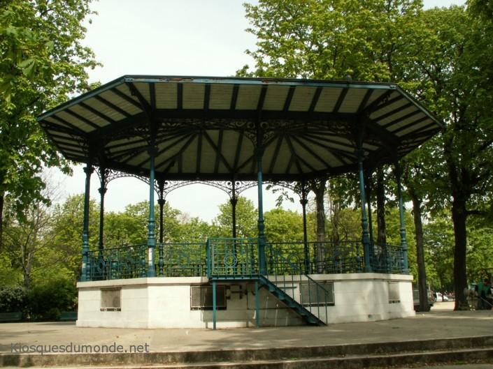 Paris 8e kiosque Cours-la-Reine