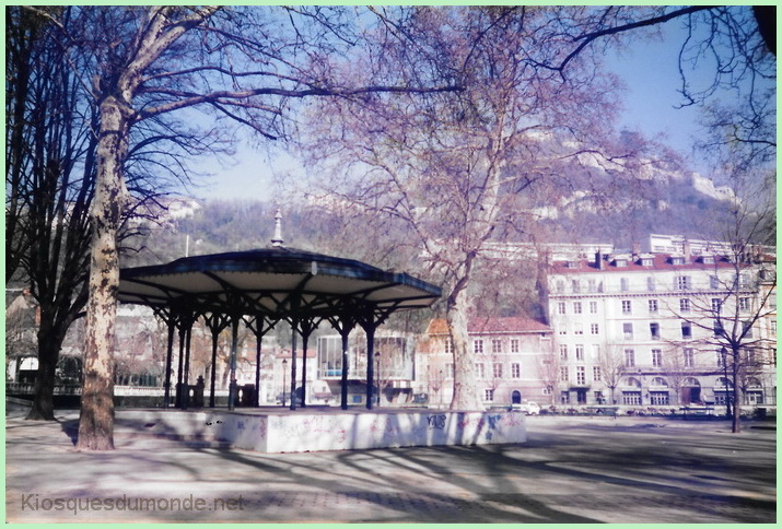 Grenoble kiosque 02