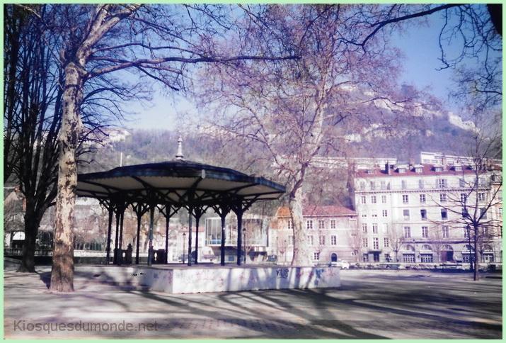 Grenoble kiosque 02