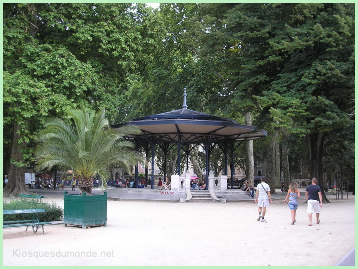 Grenoble kiosque 03