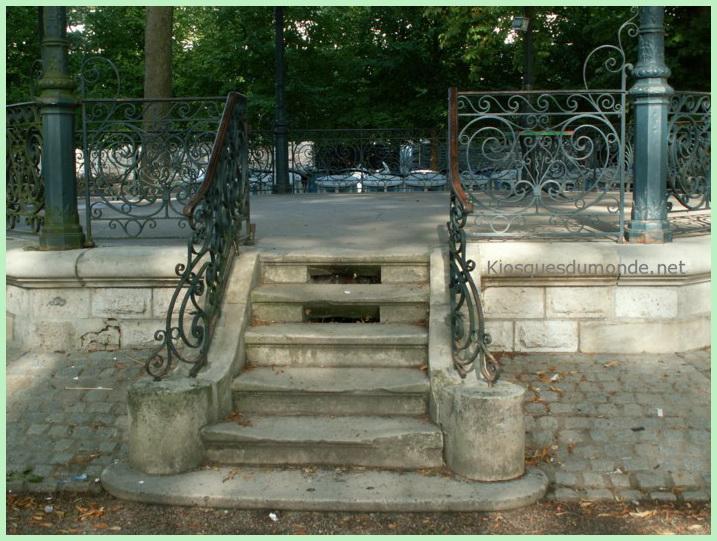 Bourges kiosque 06