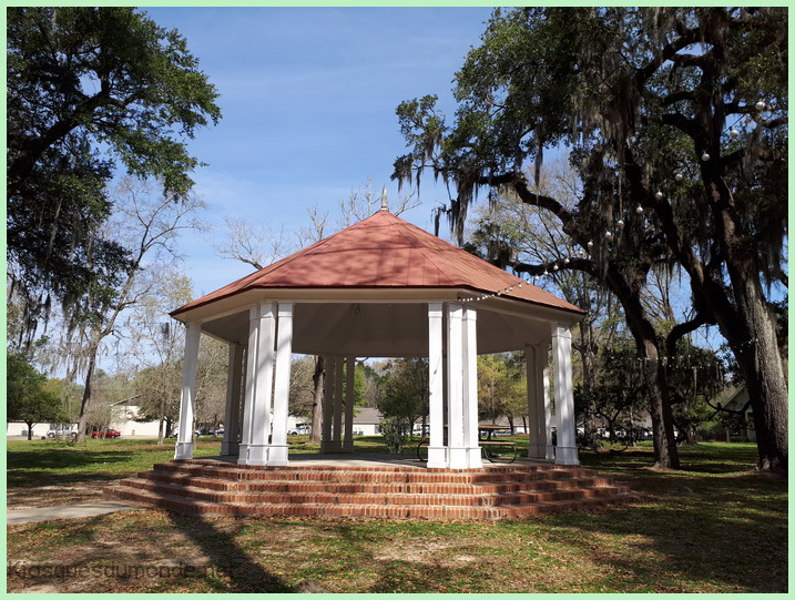 Saint Francisville kiosque 03