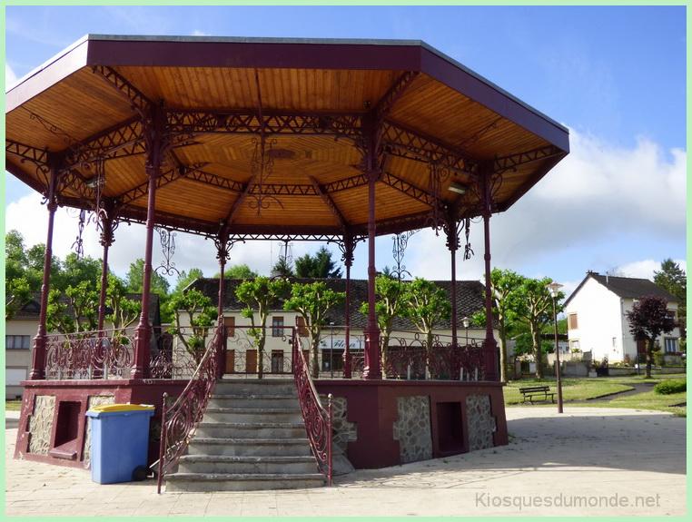 Saint-Michel-en-Thiérache kiosque 09