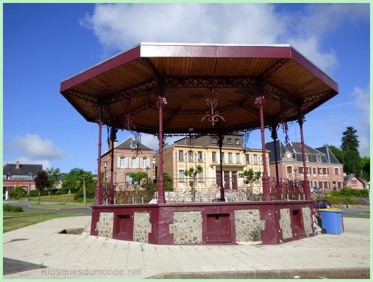Saint-Michel-en-Thiérache kiosque 15