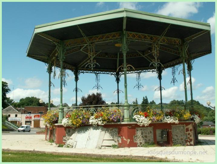 Saint-Michel-en-Thiérache kiosque 08