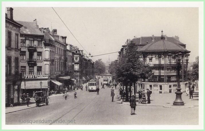 Schaerbeek (place) kiosque02