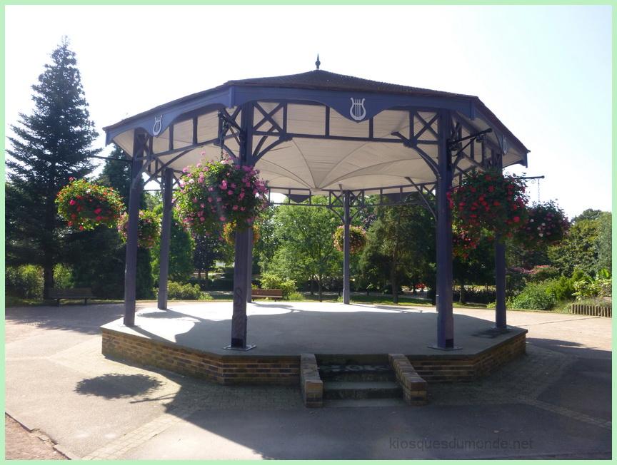 Saint-Etienne-du-Rouvray kiosque 03